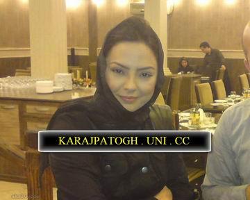 ابرو گوندش با حجاب در رستورانی در تهران